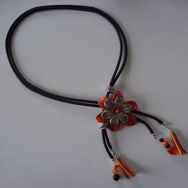 collier fantaisies original en noir orange et argent pas cher en ligne. Black Bedroom Furniture Sets. Home Design Ideas