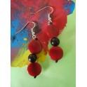 Boucles d'oreilles graine rouge et noir